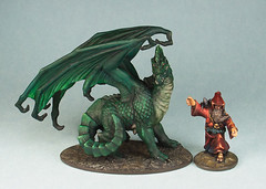 D&D Green dragon (Spooktalker) Tags: game miniatures 28mm dragons oldschool painter dd dungeonsdragons ddm 25mm ddminis wotc repaints greendragons sizecomparisons paintedbyspooktalker prepaints solidgoldline