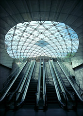 Triangeln (*Kicki*) Tags: station skåne sweden escalator explore 24mm malmö windowlight triangeln flickrexplore explored närrapsenblommar