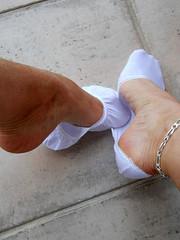 pikycad 01 (J.Saenz) Tags: feet foot pies pieds footfetish pulsera pinkys fetiche peds footsies footies liners tobillera fetichismo tobillo footlets womenfeet pikis podolatras pikys sockettes lingerieforfeet balletsocks ancklett