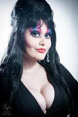 2015-01-18 - Mega Cosplay TatooWeek - 0473 (cosplusup) Tags: nikon darkness cosplay estudio queen cosplayer mega elvira d90 strobist cosup cosplusup tatooweek
