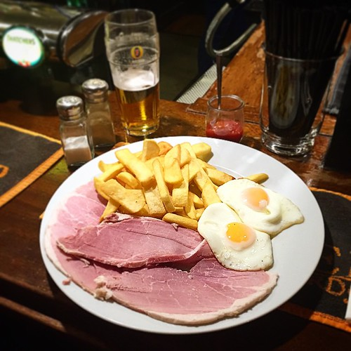 #pubclassic Ham, Egg & Chips. English country Pub style. If you have never had it, you haven't lived. #chinchin