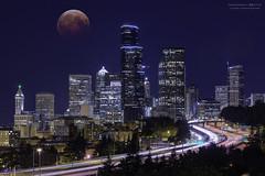 Seattle Downtown (yuyustudio) Tags: seattle nightphotography light moon washington downtown cityscape lighttrail ef70200mm canon5diii