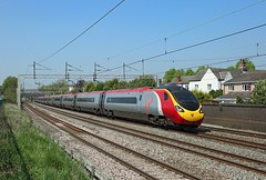 390 155, Atherstone, 12 May 2016 (Mr Joseph Bloggs) Tags: london manchester railway piccadilly trains virgin bahn railways treno euston 390 atherstone 390155