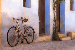 Bodegn rural III (antoine pirulier) Tags: calle pueblo bicicleta bici postal teruel empedrado azulete matarraa valderrobres comarcamatarraa