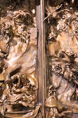 La puerta del infierno 13 (roshua_quest) Tags: plaza sculpture art mxico arte escultura museo mx rodin auguste carso ciudaddemxico soumaya