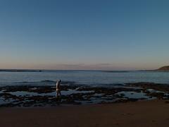 P1051399 (alejandravegamartn) Tags: paisaje landscape places lugares gran canaria las canteras playa beach human humano seor hombre teide mar oceano ocean instantes instants barco boad