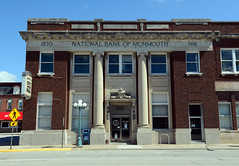 Old bank, now city hall, in Monmouth, Illinois (Blake Gumprecht) Tags: illinois downtown cityhall monmouth collegetowns nationalbankofmonmouth
