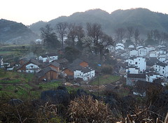 P3050376new (klausen hald) Tags: china morning mist mountain fog sunrise landscape countryside village outdoor country mountainside morningmist wuyuan shicheng