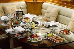 Yemek Masas - Kiralk Yat (DHYACHTING) Tags: moon silver dh silvermoon mavi yat gulet tekne yolculuk yelkenli kiralk yeme tatili teknesi ime haftalk kiralama turlar yatlk gvertede