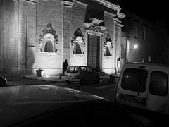 Gallipoli_29_1718 (Dubliner_900) Tags: bw monochrome nightshot streetphotography olympus gallipoli puglia bianconero notturno apulia micro43 handshold mzuikodigital17mm118 omdem5markii