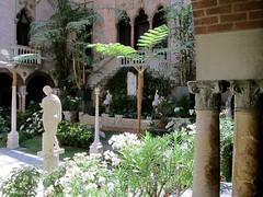 Gardner Museum, Boston (rwchicago) Tags: art boston museum garden courtyard fenway isabellastewartgardnermuseum