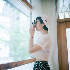 () Tags: rolleiflex 28e carl zeiss fujifilm pro400h tlr 120 6x6 square  taiwan taipei portrait bokeh light pregnancy  cafedegear