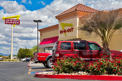 In-N-Out Burger (ezeiza) Tags: arizona food sign night restaurant drive burger fastfood fast az drivethru through innoutburger innout drivethrough thru kingman