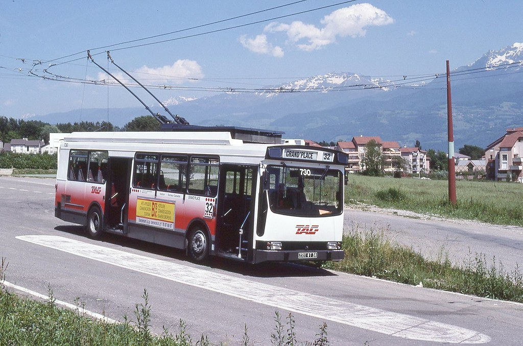 The world 39 s best photos of er100 and trolleybus flickr - Bus grenoble lyon ...