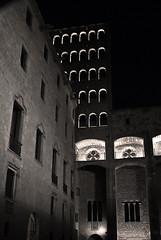 La noche (frugilboy) Tags: barcelona bw white black blanco night digital noche reflex al nikon cathedral negro january catedral bn enero d60 2013