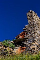 Andorra rural: Sispony (lutzmeyer) Tags: pictures old summer history nature architecture farmhouse rural photography weide arquitectura europe photos pics alt sommer natur 19thcentury haus august natura images historic agosto fotos valley verano architektur past historia andorra agost antic bilder imagen pyrenees tal iberia verlassen historie estiu pirineos pirineus iberianpeninsula architectura vell parroquia geschichte pyrenen antik abadoned imatges scheune borda 1882 bauernhaus baukunst vallnord aufgegeben sispony iberischehalbinsel abadona cortalsdesispony canoneos5dmarkiii lamassanaparroquia xviiiisegle lutzmeyer lutzlutzmeyercom