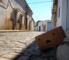 danbo a la sombra (Explore 2013-08-28) (ines valor) Tags: sol amazon sombra cabeza extremadura cartón danboard valledelaserena blinkagain