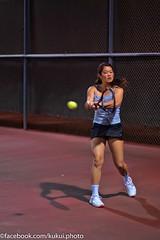 Laura backhand (Kukui Photography) Tags: club night hawaii oahu womens tennis racquet kailua doubles kailula kailularacquetclub womensnightdoubles