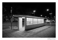 Art Deco Loveliness - Study 1 (Wil Wardle) Tags: england blackandwhite bw monochrome architecture canon photography brighton westsussex britain busstop british artdeco southcoast f28 adobelightroom 5dmk3 wilwardle ebphoto canonef2470mmmk2 vision:outdoor=0957 vision:car=0571 artdecobusshelterbrighton