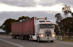 Pittari (quarterdeck888) Tags: nikon flickr country transport frosty semi lorry trucks express freight overnight kenworth tractortrailer semitrailer movingpictures quarterdeck bigrigs roadtransport bdouble tautliner highwaytrucks australiantrucks k108 truckphotos d5200 expressfreight australiantransport pittari roadfreight jerilderietruckphotos jerilderietrucks outbacktrucks