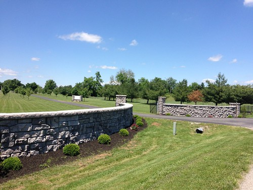 Redi-Rock-retaining-walls-Foster-Supply-Springhill-Cemetery (3)