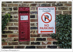 Queen Victoria Post Box, Lincolnshire. (Paul Simpson Photography) Tags: red mailbox village lincolnshire communication bradley postbox roadsign postal letterbox royalmail que
