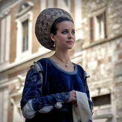 Dama (R.o.b.e.r.t.o.) Tags: perugia pg umbria 14162016 corteostorico ragazza donna dama italia italy ritratto portrait
