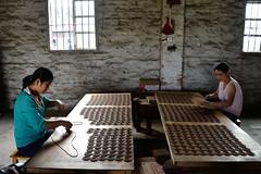 Incense factory (MelindaChan ^..^) Tags: china factory mel melinda coil joss incense xinhui  chanmelmel melindachan