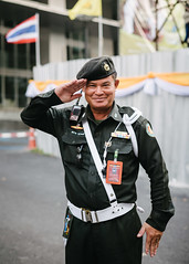 Salutations (DEARTH !) Tags: street travel portrait man thailand asia southeastasia bangkok military salute streetportrait th dearth krungthepmahanakhon