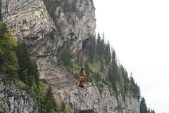 Air-Glaciers in Stckalp-Melchsee-Frutt 28.5.2016 0706 (orangevolvobusdriver4u) Tags: schweiz switzerland kuh cow transport helicopter hubschrauber airtransport archiv 2016 helikopter melchseefrutt deadcow stckalp airglaciers airglacier totekuh