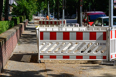 Baustellenchaos (Ralf Khne) Tags: berlin germany schneberg baustelle verkehrsfhrung strasenbeleuchtung baustelleneinrichtung bessemerstrase gasreihenleuchten vattenfallberlinlicht verkehrslenkungberlinvlb