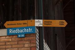 Wegweiser Juchlishus ( BE - 612m - Standorttafel Berner Wanderwege ) bei Juchlishaus in der Gemeinde Mhleberg im Kanton Bern der Schweiz (chrchr_75) Tags: del schweiz switzerland site suisse map hiking swiss plan du trail bern christoph svizzera mappa berner sito hikingtrail tafel wanderweg wegweiser suissa markierung standort kanton chrigu wanderwege kantonbern wanderwegweiser chrchr hurni chrchr75 chriguhurni wanderwegmarkierung bernerwanderwege standorttafel sidkarta sivustokartta albumstandorttafelsammlung juni2016 chriguhurnibluemailch hurni160629