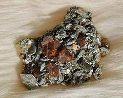 Andradite Mica (Archangem) Tags: rock stone crystal pierre mineral geology cristal mica gem specimen gemstone geologie gemme minraux minerai prcieuse andradite gemmologie cristallographie