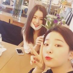 [Official IG] 160428 Irene and Seulgi (2) (redvelvetgallery) Tags: officialinstagram instagram redvelvet  kpop kpopgirls koreangirls smtown selca seulrene seulreneselca ireneselca irene seulgi seulgiselca