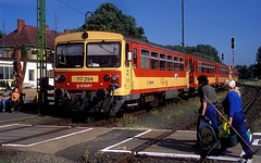 117 294  Tapolca  25.05.16 (w. + h. brutzer) Tags: analog train nikon hungary eisenbahn railway zug trains locomotive ungarn mav 117 lokomotive tapolca eisenbahnen triebwagen triebzug bzmot webru