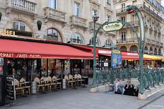 Place Saint-Michel (tomosang R32m) Tags: paris france  fontainesaintmichel  placesaintmichel ruedelahuchette stmichelplace