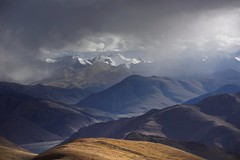 Weather of the Himalayas, Tibet 2015 (reurinkjan) Tags: himalaya tar mteverest 2015 tibetautonomousregion tsang  tibetanplateaubtogang tibet himalayamountains dingricounty glaciergangs snowmountaingangsri natureofphenomenachoskyidbyings landscapesceneryrichuyulljongsrichuynjong naturerangbyungrangjung weathernamshi landscapepictureyulljongsrimoynjongrimo himalaya landscapeyulljongsynjong raincloudscharsprin himalayamtrangerigyhimalaya earthandwaternaturalenvironmentsachu himalayasrigangchen tibetanlandscapepicture snowmountainsadzindkarposandzinkarpo janreurink  thejomolangmabiologicalparkprotectionzone