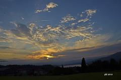 tramonto dal belvedere di Azzate (gbistoletti) Tags: panorama italia nuvole tramonti alpi lombardia sacromonte lagodivarese azzate provinciadivarese