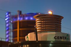 Original und Flschung (uwe1904) Tags: architektur citylights deutschland gebude industriekultur lichter nachtaufnahmen oberhausen pentaxk3 pottleuchten ruhrpott stadtlandschaft blauestunde nrw d