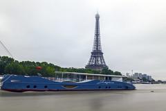 Eiffel Tower (alexknip) Tags: longexposure seine eiffeltower eiffelturm longshutter riverseine eiffeltrnet langebelichting