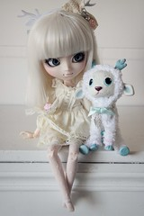Maddie & Nicolas  (Loony-Doll) Tags: maddie doll dolls hiver stock wig groove pullip custom custo cerf poupe nanachan obitsu junplanning acryliques customise