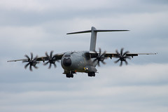 Airbus A400M Atlas (wells117) Tags: canon military transport airshow airbus atlas raf militaryaviation fairford riat 2016 royalairforce raffairford airtattoo gloustershire militarytransport a400m 700d royalinternationairtattoo airbusa400matlas july2016 zm402 clivewells fairford2016 7thjuly2016