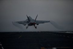 An F/A-18E Super Hornet launches off USS Carl Vinson. (Official U.S. Navy Imagery) Tags: heritage america liberty freedom commerce unitedstates military navy sailors fast pacificocean worldwide tradition usnavy protect deployed flexible onwatch beready defendfreedom warfighters nmcs chinfo sealanes warfighting preservepeace deteraggression operateforward warfightingfirst navymediacontentservice