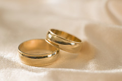 dn fotoraflar (gebradanresim) Tags: wedding stilllife love metal gold togetherness affection marriage nobody jewelry ring future studioshot copyspace customsandcelebrations humanrelationships connection twoobjects dnfotoraflar dnfotorafs profesyonelfotoraflk profesyoneldnfotorafs dnfotoraffiyatlaraffectionconnectioncopyspacecustomsandcelebrationsfuturegoldhumanrelationshipsjewelrylovemarriagemetalnobodyringstilllifestudioshottogethernesstwoobjectswedding gelinfotorafs dnfotoraflaralbm profesyoneldnfotorafsankara