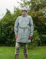 Derbe Friesennerz (Nordsee2011) Tags: boots raincoat rubberboots rainwear gummistiefel rainboots regenjacke regenmantel rainclothes friesennerz ostfriesennerz regenkleidung regenbekleidung weatherwear