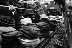 Hte (woLeonard) Tags: brown white black hat bristol mirror market spiegel halls hats hut braun fleamarket checkered schwarz squared hte weis kariert canoneos1100d