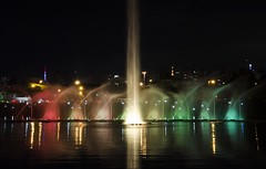 Parque do Ibirapuera, Show de Luzes. (Débora Perez) Tags: show park new parque project lights photo rainbow year newyear arcoíris week ibirapuera luzes 52 2014 lensprotogo lptg14wk1