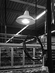 La Solution Fin...dus (Jean-Luc Lopoldi) Tags: lampe suicide hanging lamps rayon hum supermarch filslectriques pendaison peinedemort surgel
