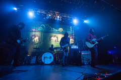 Drive-By Truckers in concert (tinnitus photography) Tags: boston massachusetts livemusic places bands drivebytruckers houseofblues venues ezb southernrock pattersonhood mikecooley bradmorgan genres recordlabels mattpatton atorecords jaygonzalez timbugbee tinnitusphotography