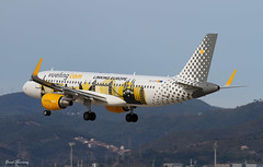 Vueling (Linking Europe Livery) A320-200 EC-LVP (birrlad) Tags: barcelona colour airplane airport spain europe aircraft aviation airplanes bcn landing finals airline airbus arrival airways approach airlines scheme runway decals airliner linking titles a320 arriving livery vueling a320200 a320214 25r sharklets eclvp
